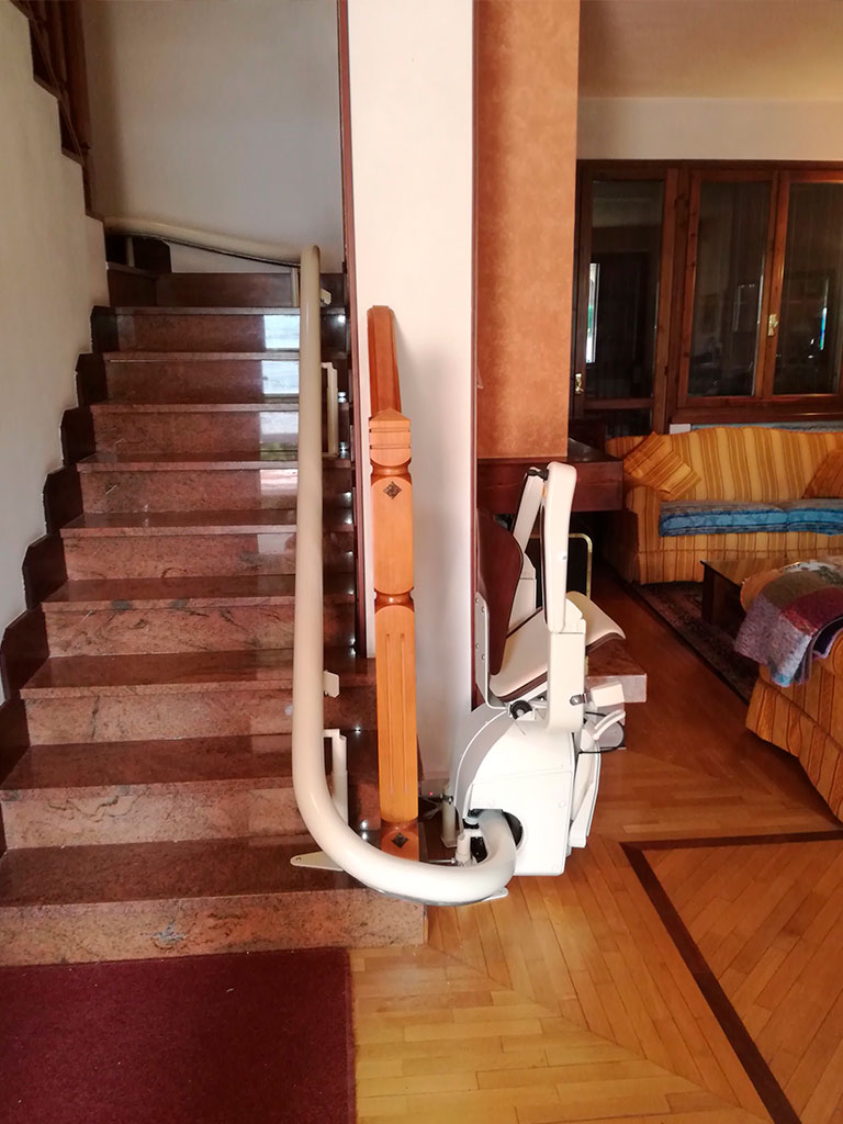 Instalación de sillas salvaescaleras curvas en elche