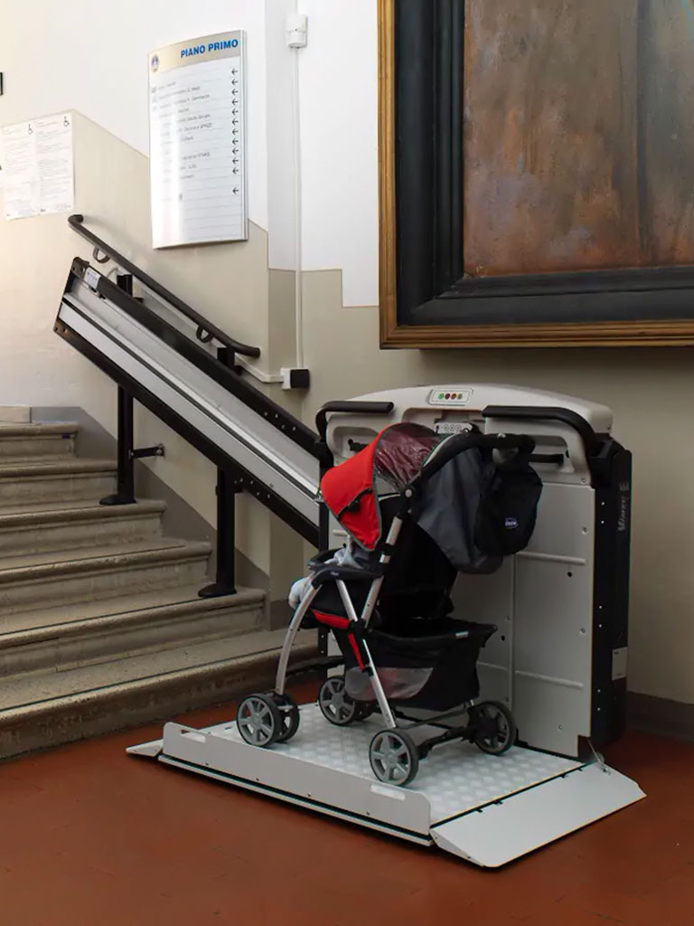 instalacion-plataformas-salva-escaleras-inclinadas-rectas-en-murcia