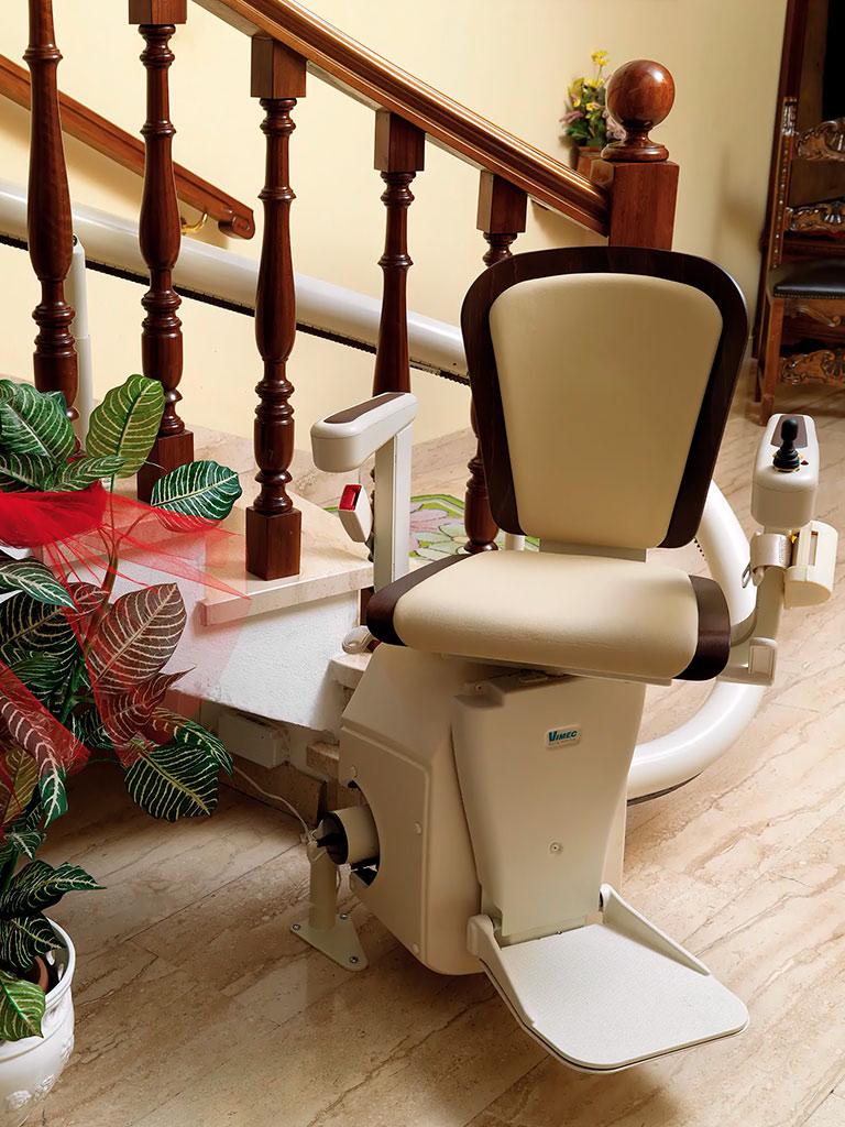 instalacion-sillas-salvaescaleras-curvas-elche